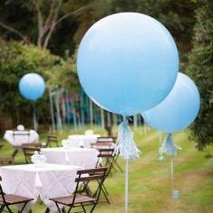 Ballon géant bleu ciel