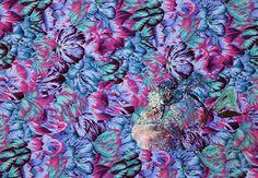 Camouflage –Cheilinus undulatus– 擬態 –ナポレオンフィッシュ– 64 x 92 x 4.5 cm embroidery yarn, sewing yarn, cotton cloth, panel 2010
