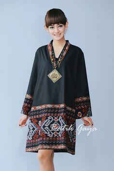 Batik Fashion, Ethnic Fashion, Hijab Fashion, Boho Fashion, Fashion Dresses, Womens Fashion, Batik Blazer, Blouse Batik, Batik Dress