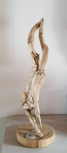Light Driftwood sculpture resembling strangely body man down Driftwood Sculpture, Art Sculpture, Driftwood Art, Natural Lamps, Driftwood Projects, Boutique Etsy, Decorative Objects, Artworks, Carving