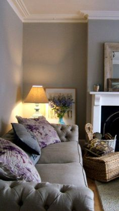 Farrow and Ball Pavillion Grey walls. - Ikea DIY - The best IKEA hacks all in one place Living Room Grey, Home Living Room, Living Room Decor, Farrow And Ball Living Room, Fabric Chesterfield Sofa, Linen Sofa, Linen Duvet, Pavillion, Modern Country Style