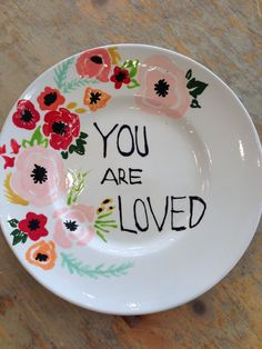 My next painting project inspiration for at Color Me Mine! Painted Ceramic Plates, Hand Painted Ceramics, Ceramic Painting, Diy Painting, Ceramic Pottery, Pottery Art, Ceramic Art, Painted Pottery, Pottery Painting Designs