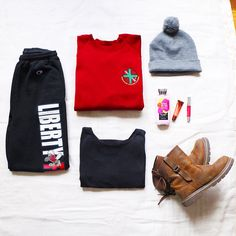 i love how my school's pants can be comfy, warm, & fashionable at the same time  / pants: libertyuniversity   t-shirt: forever21   hat: hm   shoes: z.suo