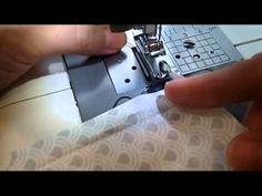 Lær at sy en rullesøm på din symaskine i denne video guide. Du skal bruge en særlig trykfod til at sy rullesøm på din symaskine. Her lærer du at bruge den.