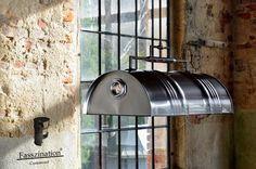 - Pendelleuchte/ Hängeleuchte aus 60 l Neu Fass  - Schirm Oberfläche - Metall gebürstet & Klar Pulverbeschichtet  - Lampengestell rostfarben  - 2 flammig E 14  - 230 volt   Schutzklasse -...