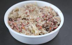 Zuurkool-ovenschotel met spekjes en gehakt - Lekker en Simpel Grains, Rice, Food, Meals, Yemek, Laughter, Jim Rice, Eten
