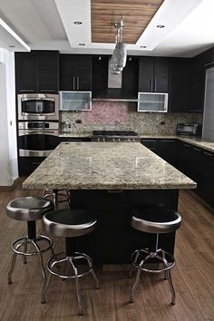 48 Magnificient Small Kitchen Design Ideas For Small Home Julie's Kitchen, Kitchen Backsplash, Kitchen Decor, Kitchen Furniture, Kitchen Interior, Home Furniture, Luxury Kitchens, Home Kitchens, Kitchen Island With Seating