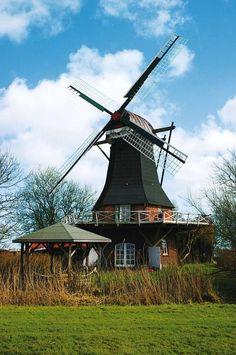 Ferienhaus in alter Mühle. Steht in Deutschland, Nordsee. Zu mieten.