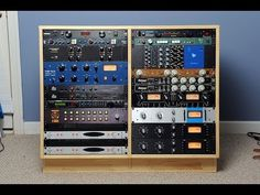 This is a pictorial showing how to build a double studio rack. This video contains plans, material and tool lists, tips and tricks. Home Studio Musik, Audio Studio, Music Studio Room, Studio Desk, Recording Studio Design, Studio Furniture, Studio Setup, Music Production Equipment, Audio Rack