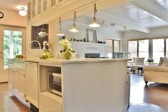 My Houzz: Busy Family Farmhouse - farmhouse - Kitchen - Seattle - Kimberley Bryan