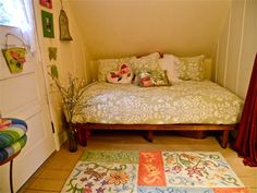 Cute Day Bed Idea -Starry Night Cottage - Bed & Breakfast Inn