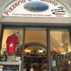 Do you like the original Pizza? The one from Napoli? This is the place! Vacation Apartments, Firenze Italy, Why Book, Good Pizza, Like A Local, Tuscany, Florence, The Originals, Theater