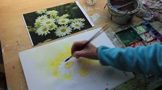 How to paint a white Daisy by UK artist Sheila Gill - YouTube