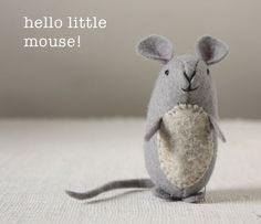 very nice mice : pattern and instructions (and it's free!) – ann wood handmade Make a sweet felt mouse with this free sewing pattern. Felt Animal Patterns, Stuffed Animal Patterns, Felt Diy, Felt Crafts, Handmade Felt, Sewing Patterns Free, Free Sewing, Felt Patterns Free, Loom Patterns