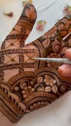Mehndi Designs For Palm, Arabic Mehndi Designs Brides, Mehndi Designs Front Hand, Wedding Henna Designs, Peacock Mehndi Designs, Engagement Mehndi Designs, Latest Bridal Mehndi Designs, Full Hand Mehndi Designs, Stylish Mehndi Designs