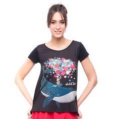 Camiseta mujer FREE, bonita y original prenda que dara a tus looks un toque de frescura y alegría. De estilo oversize súper cómoda para lucirla con faldas o jeans. También la recomendamos para las embarazadas.