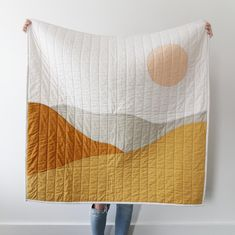 desert life Bring warmth and calm into your space with the handmade desert landscape quilt. Combining minimal abstract art, traditional quilting techniques, and the softest organic and Oek Quilt Baby, Designers Guild, Handgemachtes Baby, Quilt Modernen, Perfect Mother's Day Gift, Patchwork Quilting, Patchwork Blanket, Quilting Ideas, The Design Files