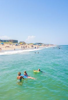 From catching a beautiful sunset, to hang gliding, surfing and paddle boarding – we've compiled 16 of the most FUN things to do in Outer Banks, North Carolina. Check it out on the blog! #OuterBanks #NorthCarolina #NorthCarolinaVacation #BeachVacations #FamilyVacationIdeas #AdventureVacations #USRoadTrip