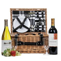 The Picnic Ready Basket is a practical and attractive picnic basket pre-filled with plates, utensils and two bottles of wine. Perfect for any picnic in the park. Picnic Birthday, Birthday Gift Baskets, Birthday Gifts, Wine Gift Baskets, Gourmet Gift Baskets, Mothers Day Baskets, Picnic In The Park, Wine Gifts, Plates