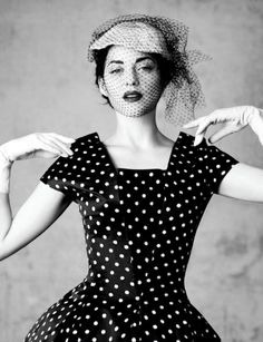 Porto Rico dress with black and white polka dot. Dior haute Couture Fall-Winter collection 1954-1955. Ligne H.