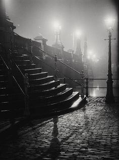 GREEN EYES 55 | Amstelbrug Amsterdam 1946 Photo: Dirk de Herder