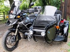 The Expedition Sidecar.for driving in the right side of the road. European Motorcycles, Touring Motorcycles, Touring Bike, Vintage Motorcycles, Motos Bmw, Bmw Scrambler, Kawasaki Cafe Racer, Ural Motorcycle, Motorcycle Design