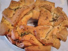 Σκορδόψωμο με θυμάρι και βασιλικό ! Greek Recipes, Healthy Eating, Bread, Cookies, Food, Eating Healthy, Crack Crackers, Healthy Nutrition, Clean Foods