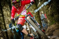 VIDEO: @World_Enduro look at the technical aspects of racing with the @iamspecialized Team. http://www.pinkbike.com/news/ews-official-video-tech-focus-specialized-racing-team-2015.html …