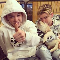 Oooo how cut hope you gyys will get a dog🙏🐕🐶 M Image, Dream Boyfriend, My World, My Boys, Norway, Bae, Twins, Singer, Funny