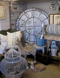 Love that clock Decorating With Junk, Interior Decorating, Big Clocks, Wall Clocks, Coo Coo Clock, Oversized Clocks, A Wrinkle In Time, Clock Decor, Decoration