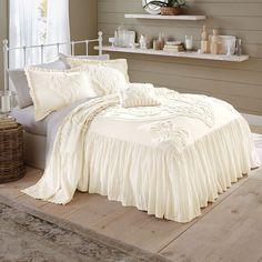 Bedspreads Comforters, Chenille Bedspread, Bedroom Comforters, Textured Bedding, Bed With Posts, King Comforter Sets, Bedding Sets, Ivory Bedding, Master Bedrooms