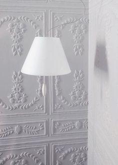 Un papier peint de la belle époque pour un intérieur élégant  Perfecto, coll.Chance, L 124 cm (172€ le mètre) ELITIS