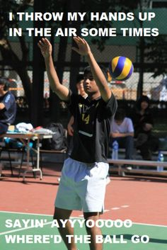 Haha reminds me of Hailey trying to play volleyball!!!! Lol :)