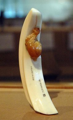 Snail-on-a-Boar's-Tusk, netsuke