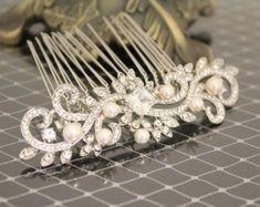 Bridal hair accessories vintage Wedding hair comb pearl Bridal comb pearl Wedding hair accessory hairpiece Bridal Hair Jewelry Wedding Combs #weddinghairaccessories #weddingaccessories #weddingjewelry
