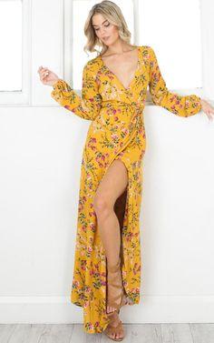 Si quieres lucir a la moda esta primavera, no te pierdas estos vestidos largos. | Moda primavera - verano. | Vestidos largos con flores. | #Outfits juvenil casual #primavera.