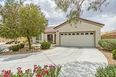 Great new listing in Sun City Aliante. I can't get over the size of the master bedroom and incredible open concept. 3235 Feathering Court N. Las Vegas, NV 89084 MLS #1542182. www.darratheagent.com