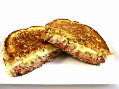 Skinny Grilled Reuben Sandwich, Decadently Delicious!  Look on the menu of any delicatessen and you'll see the magnificent Reuben sandwich. This skinny Reuben has all the taste sensations of its very fattening counterpart but with a fraction of the fat and calories and still amazingly good! Each Reuben has 373 calories, 12 grams of fat and 9 Weight Watchers POINTS PLUS. So hearty, just a half sandwich would certainly be satisfying.