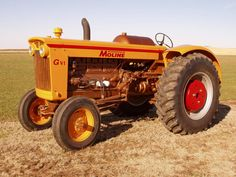 www.Minneapolis-Moline.com • View topic - Paint Information Vintage Tractors, Antique Tractors, Old Tractors, Minneapolis Moline, Tractor Photos, Tractor Pulling, Twin Cities, Naval History, Farming