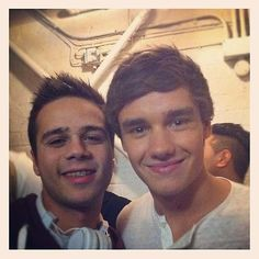 Liam Payne  http://onedirectionpictures.org/
