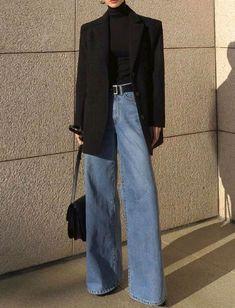 Oui au jean flare port en mode chic au Chic e Korean Outfits, Mode Outfits, Retro Outfits, Cute Casual Outfits, Vintage Outfits, Fashion Vintage, Casual Chic, Vintage Jeans, Korean Winter Outfits