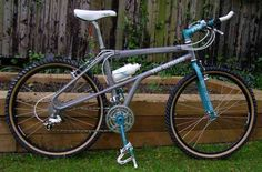 Yeti Ultimate, Prima Grey colour, Turquoise Accu-Trax forks and Cooks Bro's Cranks. Brilliant example.