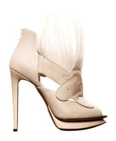Nicholas Kirkwood sand beige goat-hair Bootie Fall Winter 2011 #Shoes #Heels #Art