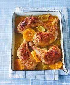 Mit Curryöl auf Orangen und Zwiebeln werden Keulen zu köstlichen Knallern.