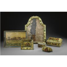 Scatola ed un vassoio laccato ad 'arte povera' Piemonte, seconda metà del secolo XVIII A PIEDMONTESE 'ARTE POVERA' LACQUERED BOX AND A TRAY, SECOND HALF 18TH CENTURY; BOTH WITH MINOR LOSSES AND DEFECTS