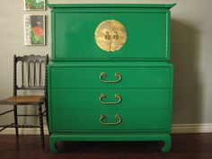 Hollywood Regency Emerald Green Chest: European Paint Finishes