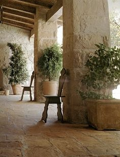 Tuscan style – Mediterranean Home Decor Outdoor Rooms, Outdoor Gardens, Outdoor Living, Indoor Outdoor, Interior Exterior, Exterior Design, Stone Exterior, Porches, Style Toscan