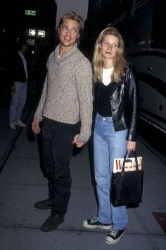 brad pitt outfits best outfits - Page 7 of 101 - Celebrity Style and Fashion Trends Gwyneth Paltrow, 1990 Style, Style Année 90, Outfit Essentials, 80s Fashion, Vintage Fashion, Fashion Outfits, Style Fashion, Fashion Trends