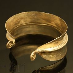 Karuni - Fulani golden bracelet in bronze 2