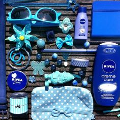 Sky blue, light blue, deep blue … we love all shades of blue. What is your favourite color? Deep Blue, Light Blue, Things Organized Neatly, What In My Bag, Yves Rocher, Beauty Essentials, My Bags, Shades Of Blue, Creme